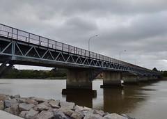 Quiet motorway bridge