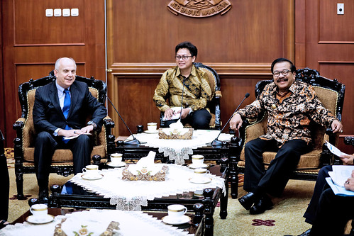2017 03 01 Ambassador meeting with East Java Gov