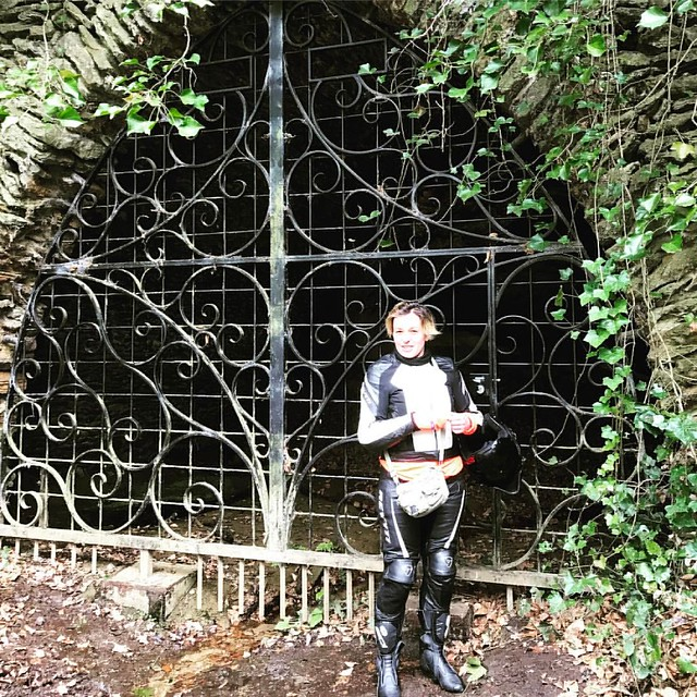 Mother Ludlums Cave - here I am :) #witchwayround