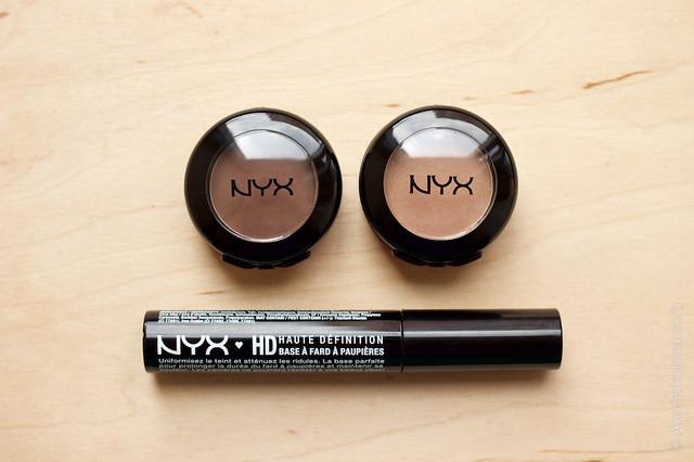 01 NYX Hot Singles Eye Shadow #HS28 Guilt Trip + #HS42 Strike A Pose+ NYX HD Eyeshadow Base
