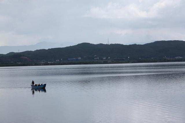 拉市海的水上遊憩。攝影:詹嘉紋。