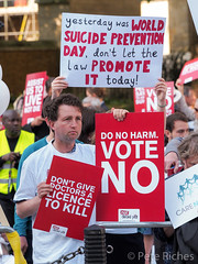Dual Yes and No protest against Assisted Dying Bill - 16.01.2015 -110398.jpg