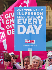 Dual Yes and No protest against Assisted Dying Bill - 16.01.2015 -110407.jpg