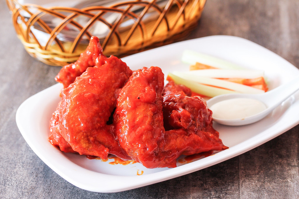 Halal Cafes in the East: Tash Tish Tosh's buffalo wings