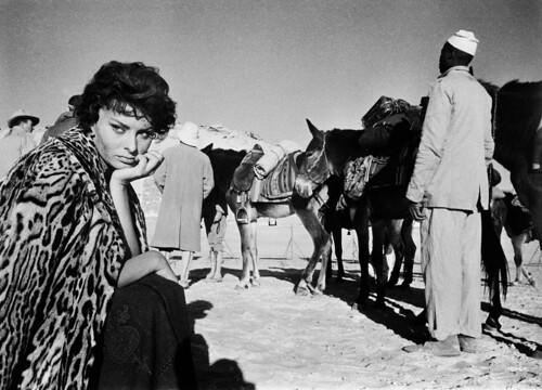 Legend of the Lost - Backstage - Sophia Loren