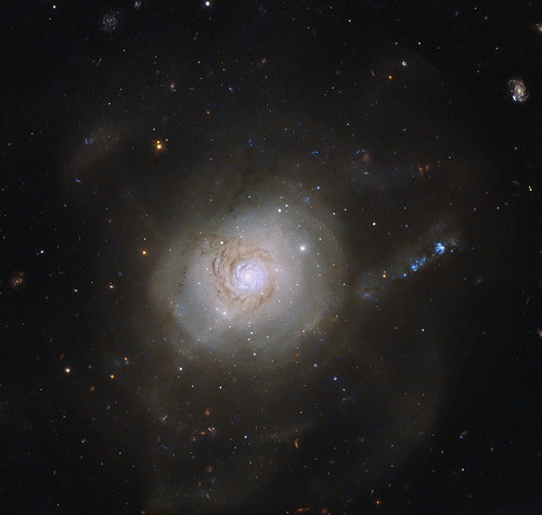 Hubble View of a Galaxy Resembling an Atomic Nucleus