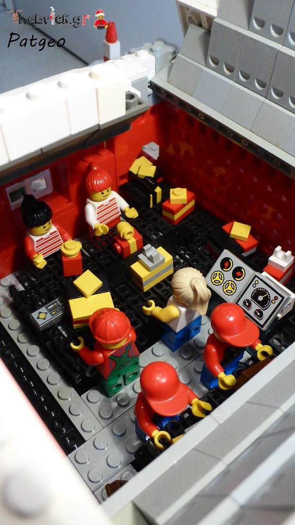 """[BuildtheBrick #2]: """"Santa's Workshop"""" 23608028106_bceebc0d43_b"""