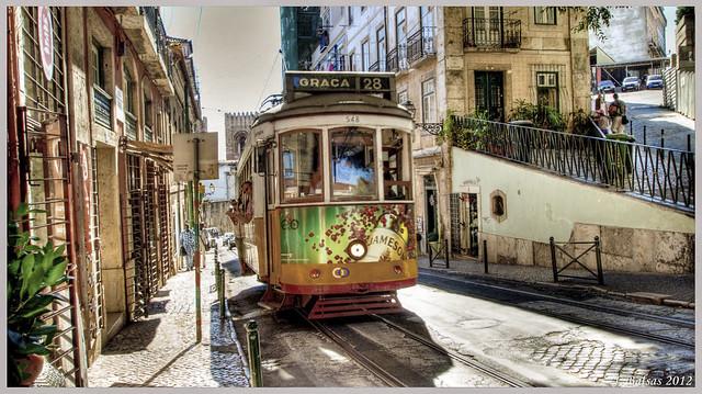 [0173]: Lisboa, el famoso tranvía 28