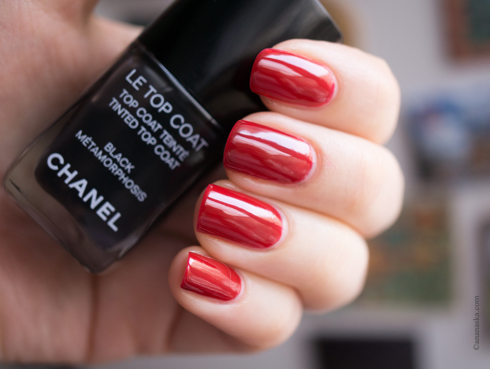 Chanel Le Vernis Longue Tenue 546 Rouge Red + Le Top Coat Black Metamorphosis