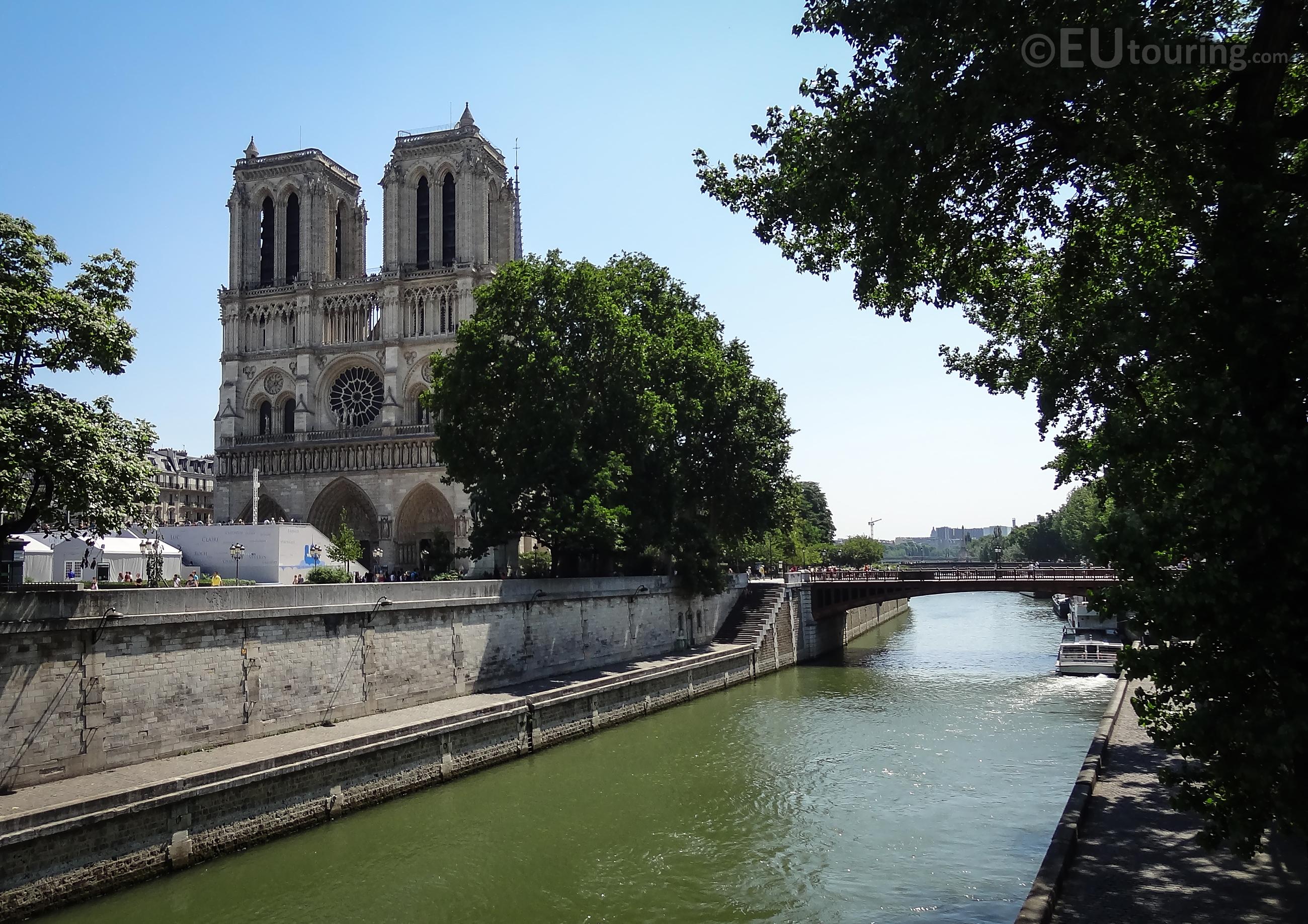Pont au Double to Notre Dame