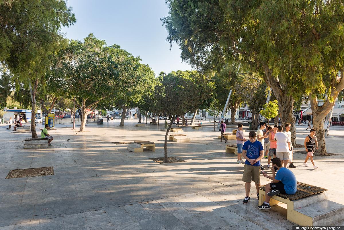 Plateia_Heraklion_Crete_Greece-5