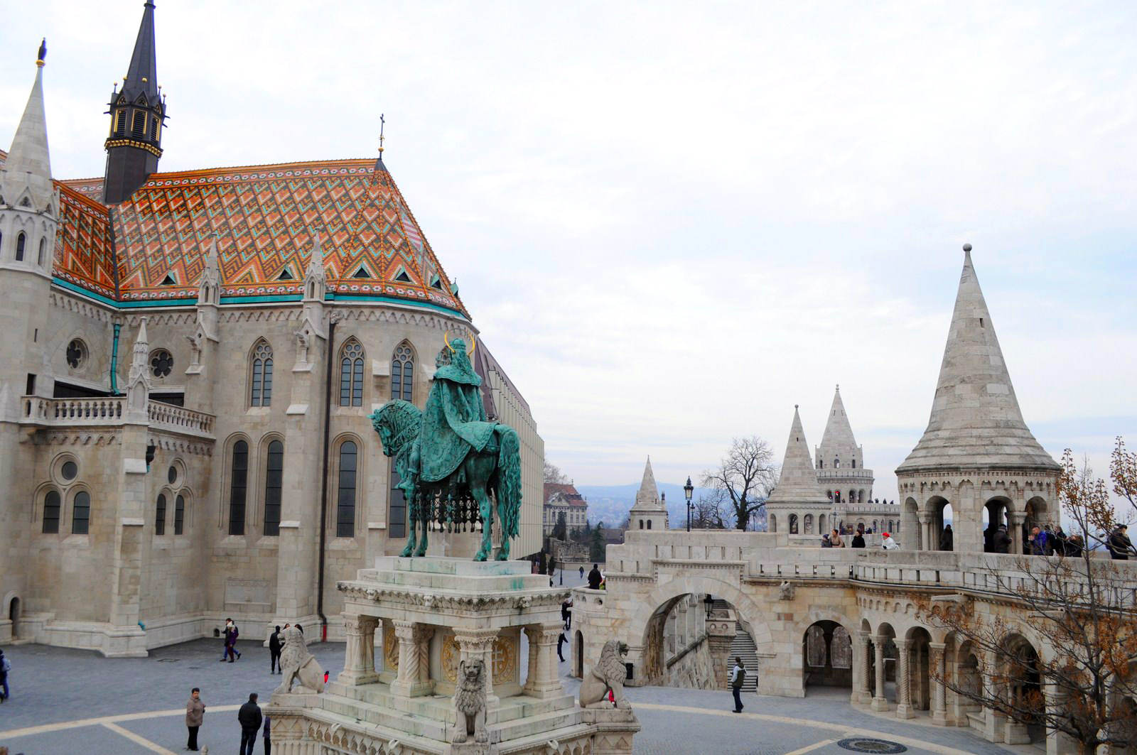 Qué ver en Budapest en un fin de semana: Bastión de los Pescadores budapest en un fin de semana - 21234233630 7551953ba4 o - Qué ver en Budapest en un fin de semana
