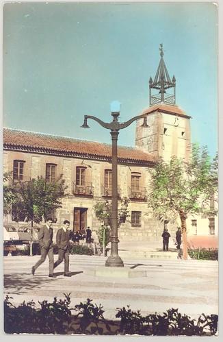 Navahermosa, Toledo : Plaza del Generalísimo, Ayuntamiento al fondo