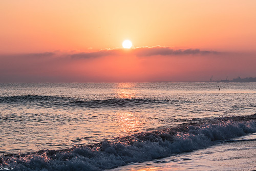 sun sunlight sunrise waves wave greece crete heraklio sunrisereflections siminis