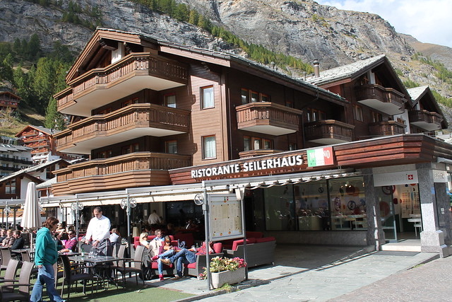zermatt bahnhaus train station