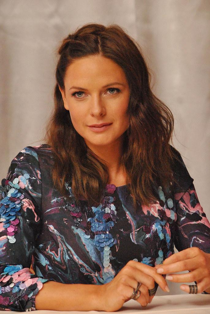 Ребекка Фергюсон — Пресс-конференция «Миссия невыполнима» 2015 – 37