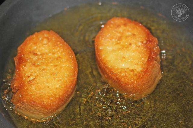 Solomillo en manteca con salsa romesco www.cocinandoentreolivos.com (40)