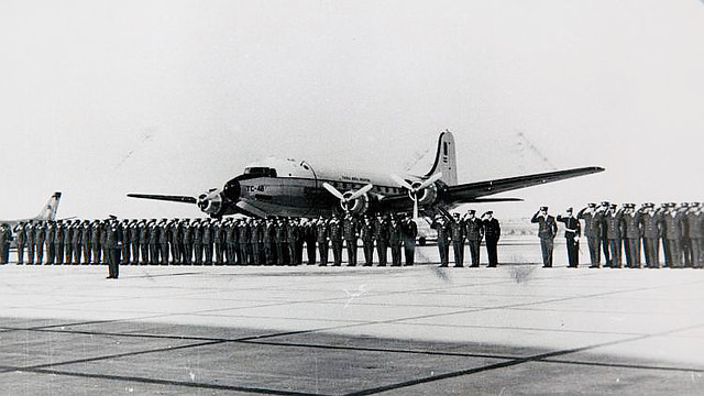 Douglas DC4 matricula TC48 de la FAA