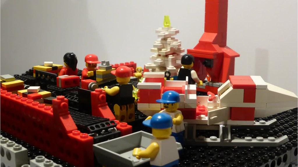 "[BuildtheBrick #2]: ""Santa's Workshop"" 22845045039_e3a887cc42_b"