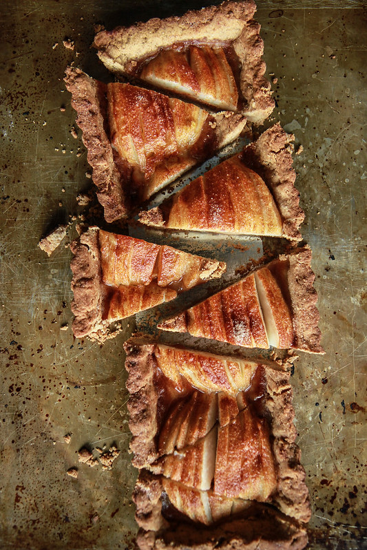 Gingerbread Pear Tart -gluten free and vegan