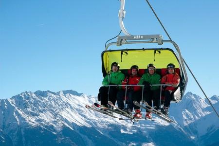 Psali jsme před lety: Je zvyšování komfortu v lyžování nutnost, nebo přehánění?
