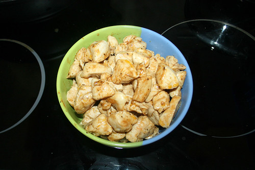 26 - Hähnchenbrust auf Pfanne entnehmen / Remove chicken breast from pan