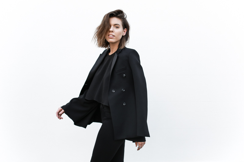 J Brand black skinny jeans, Ellery flare top, tuxedo blazer, all black, minimal, modern legacy, fashion blog (1 of 1)
