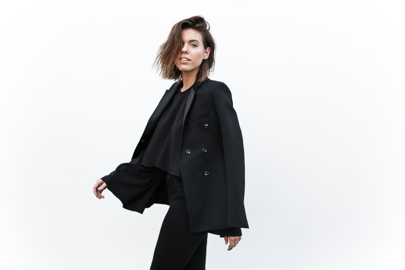 J Brand black skinny jeans, Ellery flare top, tuxedo blazer, all black, minimal, modern legacy, fashion blog (1 of 1)