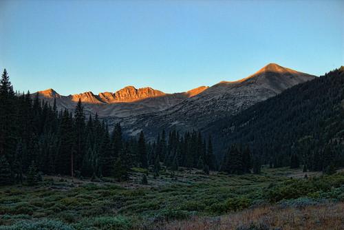 mountains sunrise colorado collegiatepeakswilderness
