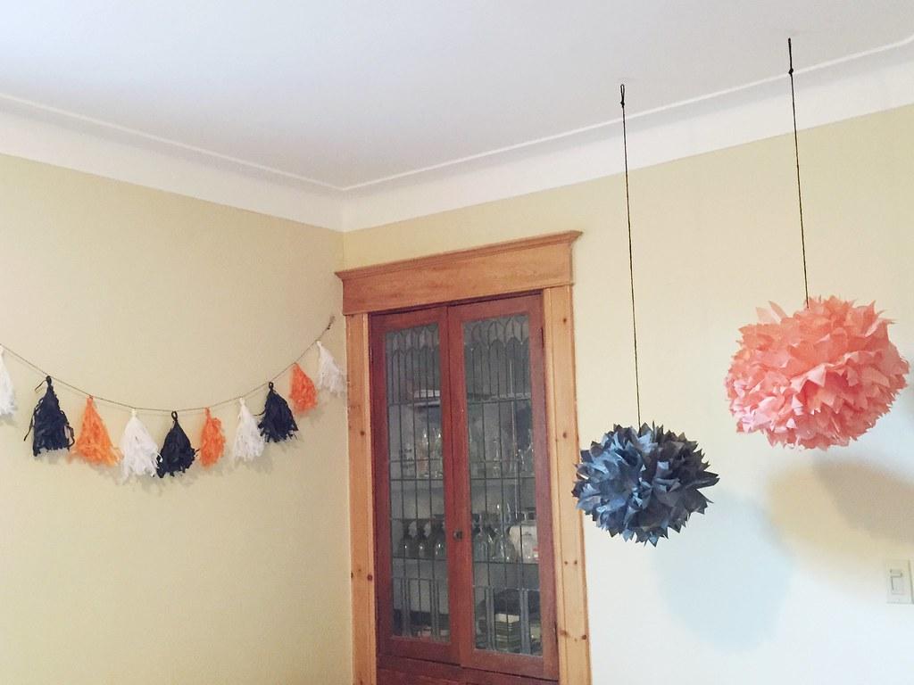 Maison un salon halloweenesque le cahier for Decoration fou plafond