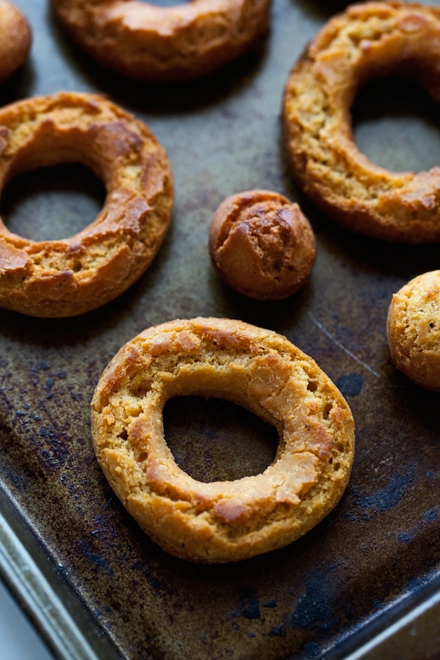Pumpkin Old-Fashioned Doughnuts with Glaze - These are like your bakery style glazed cake donuts but so much better! #sourcreamdonuts #cakedoughnut #doughnut #donut #oldfashioneddoughnut   Littlespicejar.com @littlespicejar