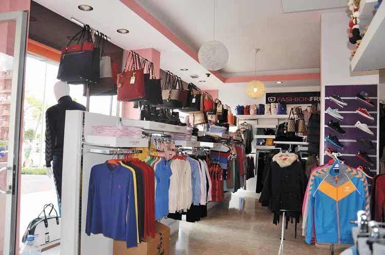 Artı-Moda-yeni-markaları-ilçe-halkına-sunuyor-(2)