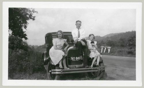 trio on car