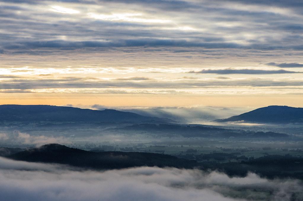 La campagne se réveille au pied de Bibracte et du Mont Beuvray