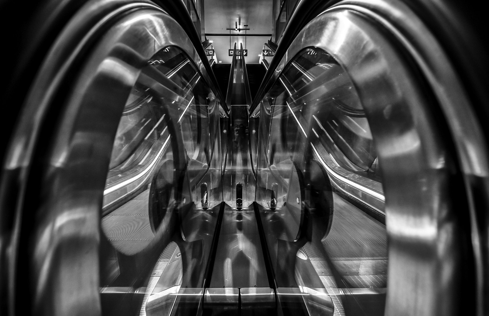Escalator self by Carsten Heyer
