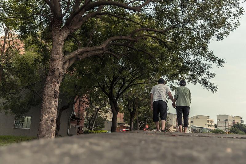 重傑,曉卉 ,婚紗攝影,朱志東,雅妃 Sonia,黎明新村,台中市區,文心公園 ,ES wedding,自助婚紗,雅妃