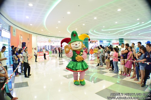 Grand Magical Christmas Parade in SM City Trece Martires (55)