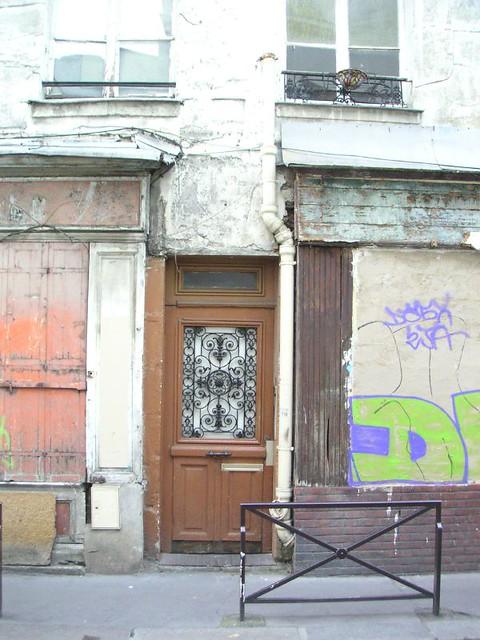 Porte d 39 entr e avec grille en fer forg flickr photo sharing - Grille fer forge castorama ...