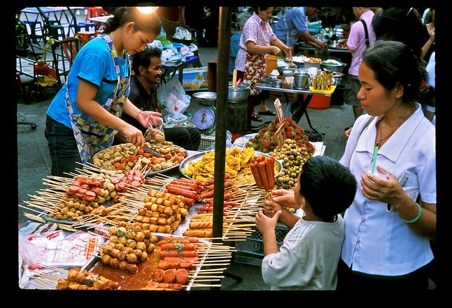 bangkok_market_satay_vendor_001_bkk_013.jpg