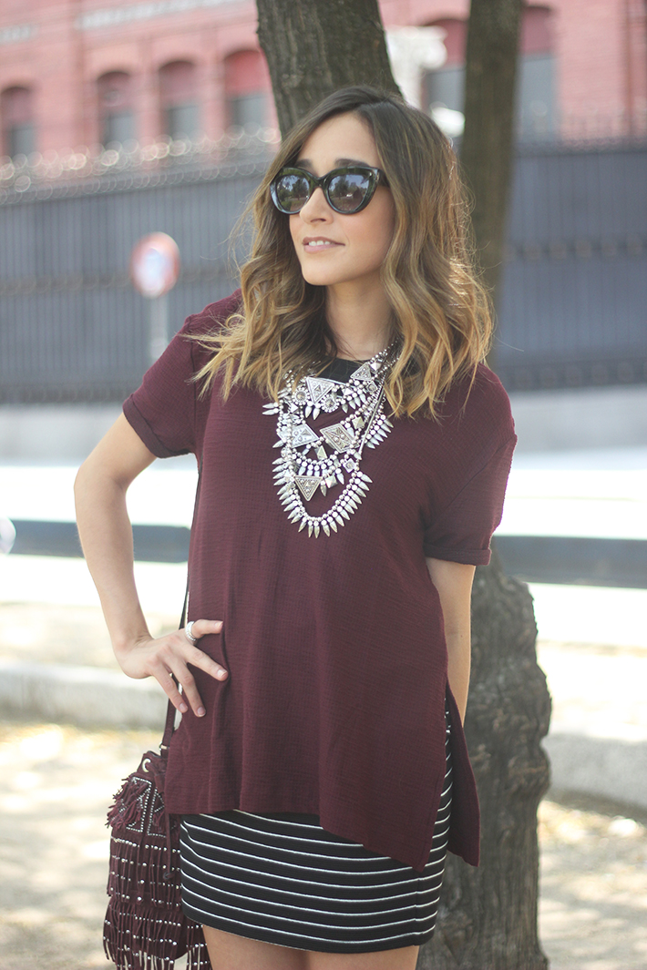 Striped Skirt With Burgundy T-shirt And Fringed Bag Summer Outfit16