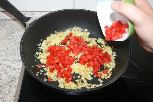 32 - Tomaten hinzufügen / Add tomatoes