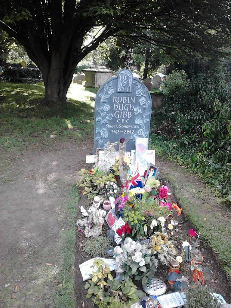 Famous grave, Thame churchyard Thame Circular