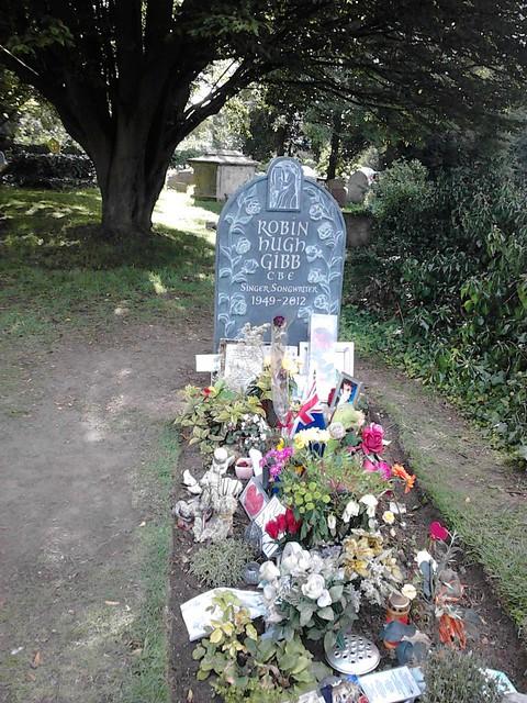 Famous grave, Thame churchyard