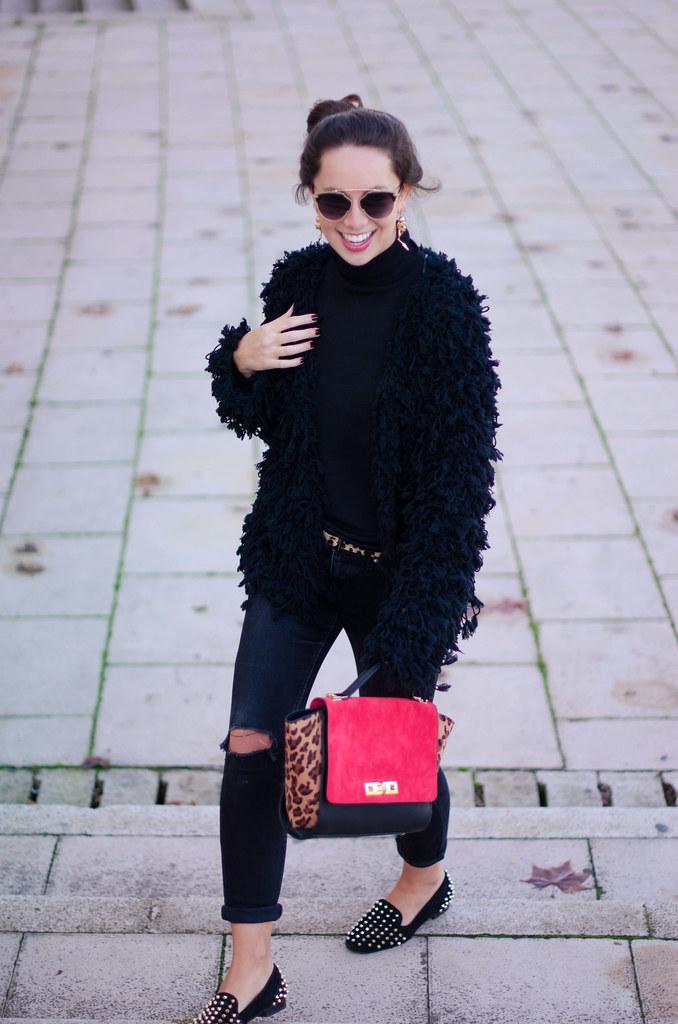 Look con chaqueta shag