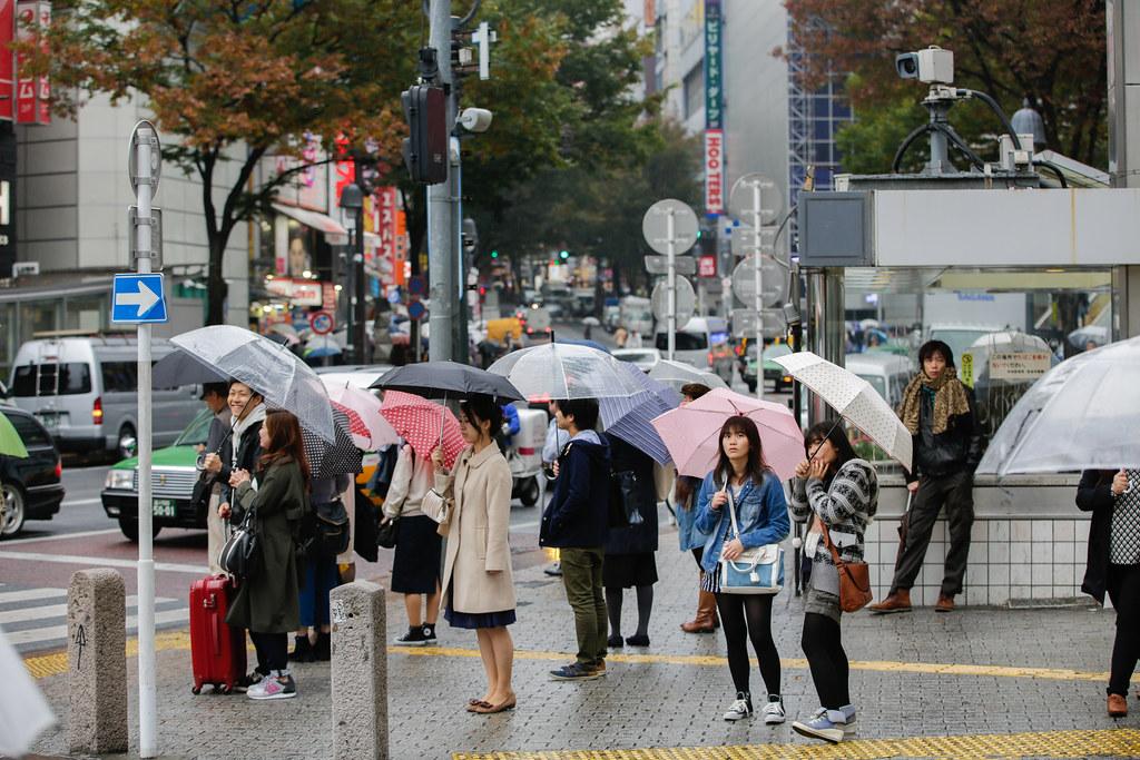 Dogenzaka 2 Chome, Tokyo, Shibuya-ku, Tokyo Prefecture, Japan, 0.008 sec (1/125), f/4.0, 80 mm, EF70-200mm f/2.8L IS II USM