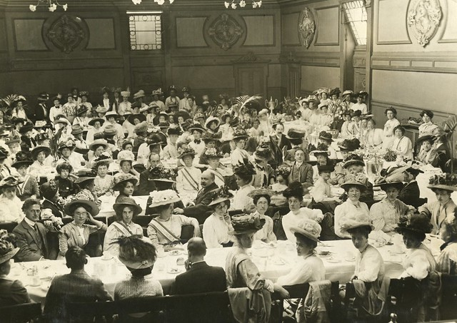Prisoners' Breakfast in Queen's Hall, 1908. Credit: LSE Library