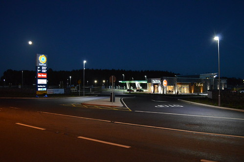 Manor Stone Service Station Junction 3 On The M8 Motorway.