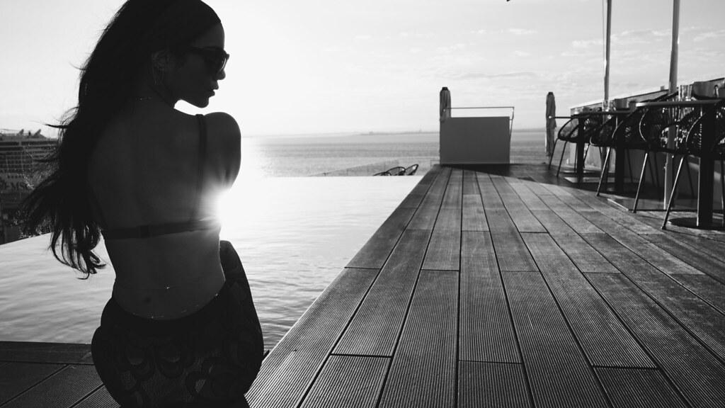 Ванесса Хадженс — Фотосессия для «Find Your California» 2015 – 88