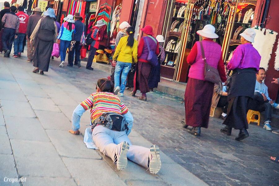 2015.12.09 ▐ Tibet 西藏踢北去 ▐ 尋找藏人真正的拉薩中心,被信仰力量震撼的大昭寺與舊城區 30.jpg