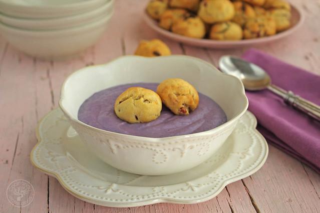 Crema de lombarda con panecillos de jamón y queso www.cocinandoentreolivos.com (2)